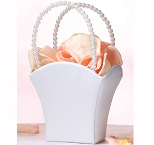 Simplicity-Pearl-Handle-Basket-m4.jpg