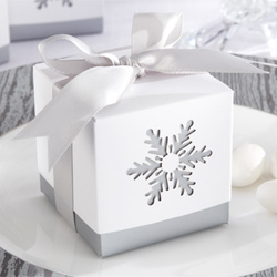 Snowflake-Favor-Box-m.jpg