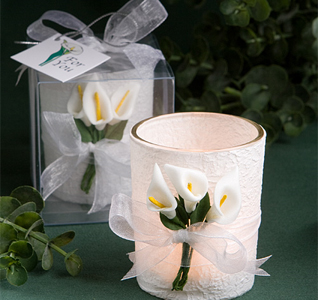 Stunning-Calla-Lily-Design-Candle-Favors-M.jpg