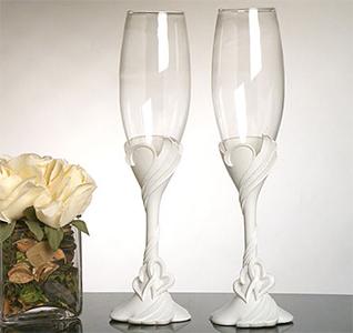 Two-Hearts-Become-One-Toasting-Glasses-m.jpg