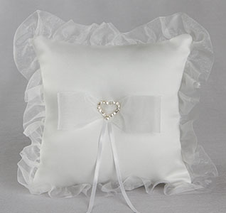 WB03B_Crystal_Heart_Organza_Ring_Pillow_m1.jpg