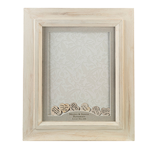Wooden-Signing-Hearts-Wedding-Frame-m.jpg