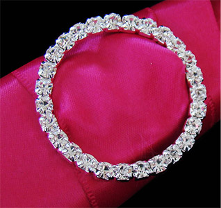 circle-of-love-crystal-bridal-bouquet-buckle-m.jpg