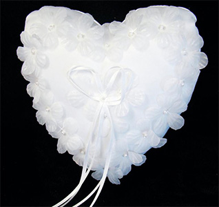 floral-heart-ring-bearer-pillow-m.jpg