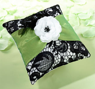 green-black-pillow-m.jpg