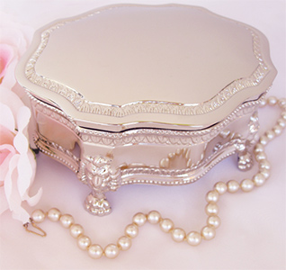 large-victorian-jewelry-box-m.jpg
