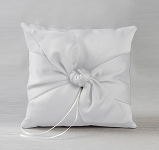 ring-pillow-love-knot-white-m.jpg