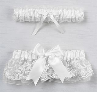 wedding-garter-chantilly-lace-white-m.jpg
