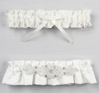 Wedding garters bridal garters for Garter under wedding dress