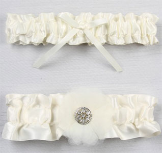 wedding-garter-set-chloe-ivory-m.jpg